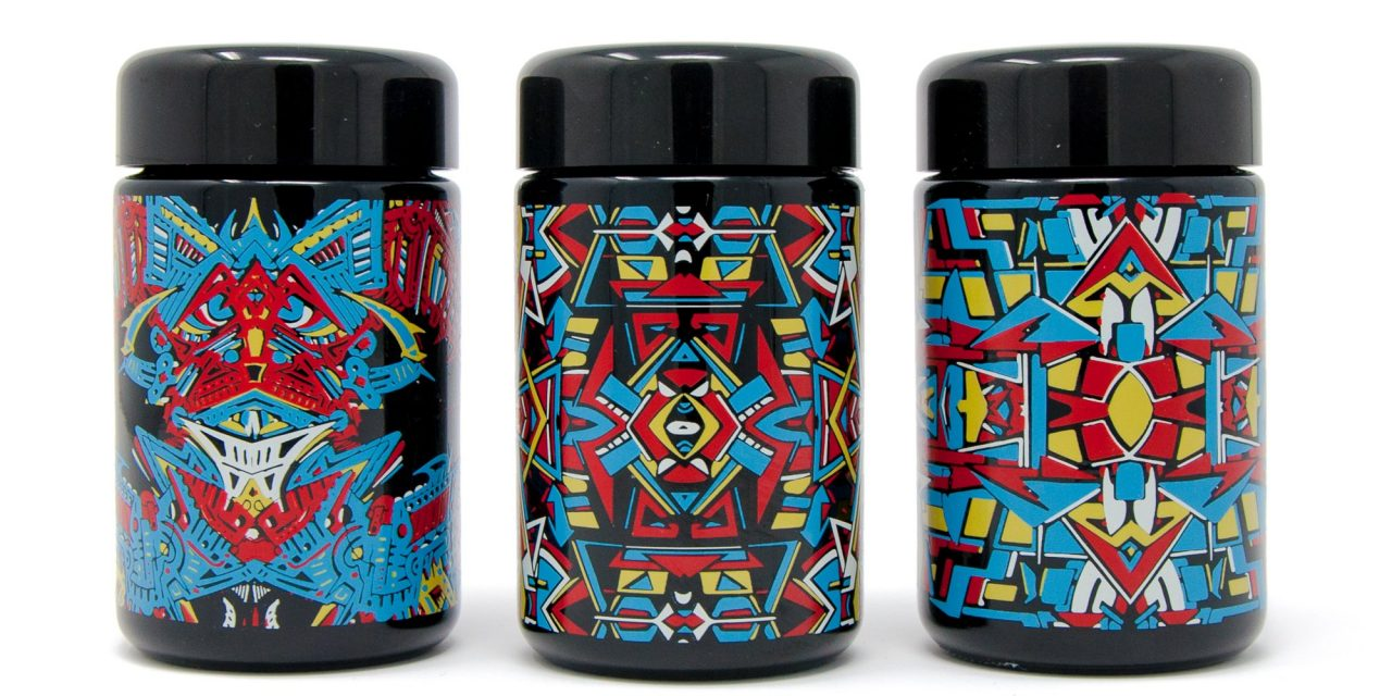 Hip-Hop Trendsetter & (F)Activist P.H.A.S.E. 2 Bestoke Vader Glass